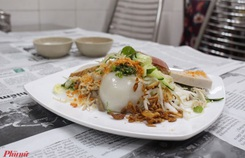 Những món ăn kèm nước cốt dừa 'lịm tim' của người miền Tây ở TP HCM
