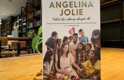 Angelina Jolie từng khiến bố mẹ khóc vì quyết định của mình