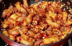 Luộc, kho mãi cũng nhàm, thịt ba chỉ nấu món gì ngon?