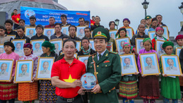 """Chương trình """"Một triệu lá cờ Tổ quốc cùng ngư dân bám biển"""": Khát vọng bảo vệ chủ quyền"""