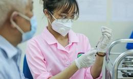 Cận cảnh người dân Hà Nội tiêm vắc-xin Vero Cell