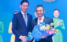 Vietnam Airlines tiếp tục được vinh danh là hãng hàng không 4 sao