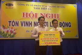 Taxi Tiên Sa trao tặng trên 550 triệu cho gia đình tài xế bị sát hại