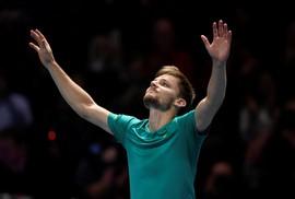 Goffin thắng sốc Federer, tranh chung kết với Dimitrov