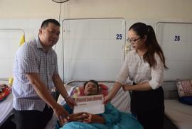 Bạn đọc Báo Người Lao Động hỗ trợ 20 triệu đồng cho nạn nhân vụ sạt lở núi