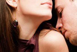 Bi kịch gia đình từ mùi mồ hôi lạ trên người vợ