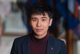 """Bí mật của tác giả gốc Việt thắng giải """"Oscar trong lĩnh vực thơ ca"""""""