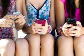 Hẹn hò siêu tốc thời smartphone và mạng xã hội