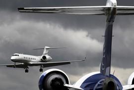 Phi công thiệt mạng vì... cửa máy bay