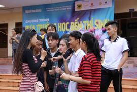 KHAI MẠC ĐƯA TRƯỜNG HỌC ĐẾN THÍ SINH 2018: Giải tỏa nỗi lo chọn ngành, chọn trường