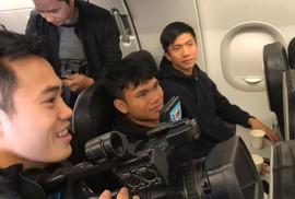 Video U23 Việt Nam ăn mừng trên chuyên cơ