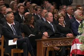"""Bà Obama trải lòng về """"đồng phạm tội lỗi"""""""