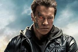 """""""Kẻ hủy diệt"""" Arnold hối tiếc xin lỗi vì suồng sã phụ nữ"""