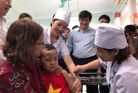 Bộ Y tế kêu gọi phụ huynh đưa con đi tiêm vắc-xin