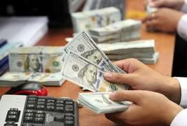 Đổi 100 USD bị phạt 90 triệu, đẩy rủi ro về phía số đông!