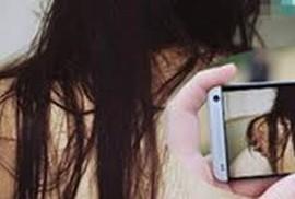 """Vợ đại gia Sài Gòn sập bẫy trai trẻ sau lần """"vui vẻ"""" bị quay clip"""