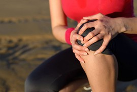 Vì sao đau khớp sau khi tập yoga, aerobic?