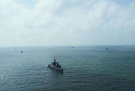 Tránh chạm trán ở biển Đông
