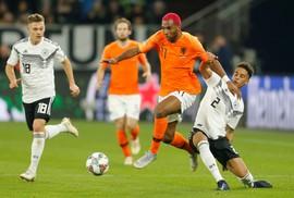 """Bùng nổ 5 phút cuối, Hà Lan lại khiến """"xe tăng"""" Đức tuột xích"""