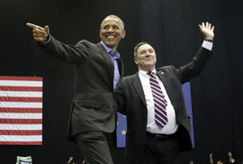 "Hai ông Donald Trump, Barack Obama cùng ""ra trận"""