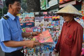Độc giả thích thú với poster mừng Việt Nam vô địch AFF Cup