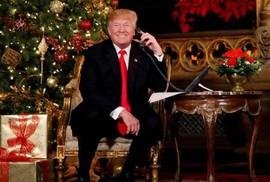 """Câu hỏi """"phũ phàng"""" của ông Trump với cậu bé 7 tuổi"""
