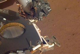 NASA tìm người hành tinh dưới bề mặt mặt trăng của sao Mộc