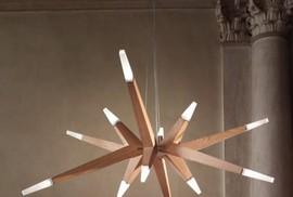 Trang trí đèn chùm trong ngôi nhà hiện đại