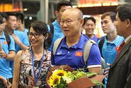 """Thủ tướng Malaysia """"tiếp lửa"""" cho đội nhà, HLV Park Hang-seo lạc quan"""