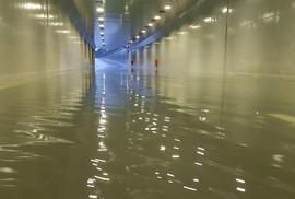 Hầm chui 118 tỉ đồng ở Đà Nẵng bị ngập nặng