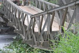 Cầu sắt nối quận 12-Bình Tân bị sụp được thay mới