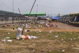 Có đám đông là có rác: Phải xử phạt mạnh tay