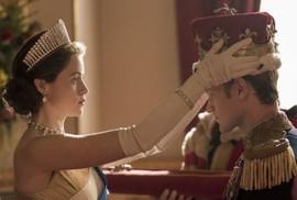 """""""Nữ hoàng"""" Claire Foy được xin lỗi vì thù lao"""