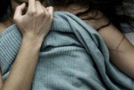 Đột nhập nhà chú, khống chế hiếp dâm thím