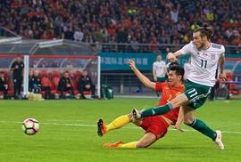 """Xứ Wales """"hạ đẹp"""" Trung Quốc ngày HLV Ryan Giggs ra mắt"""
