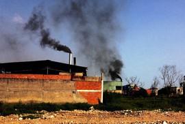 Gây ô nhiễm, đóng phạt rồi lại... xả thải!