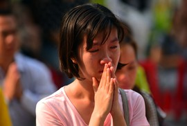 Đau lòng cầu siêu cho 13 nạn nhân thiệt mạng chung cư Carina