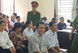 """Hội thẩm nhân dân đi cấp cứu, hoãn xử đại gia Tòng """"Thiên Mã"""""""