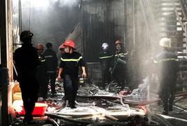 Cháy công ty may ở Hóc Môn và xưởng nhựa ở Bình Chánh