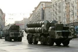 Máy bay vận tải Nga hạ cánh, S-300 hay S-400 đến Syria?