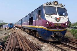 Tàu SE8 trật bánh khỏi đường ray tại Bình Thuận