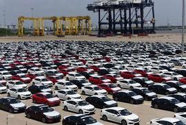 Giá bình quân ô tô nhập khẩu cán mốc 22.000 USD/chiếc