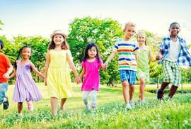 Trẻ cần dinh dưỡng cân bằng để tăng trưởng khỏe mạnh