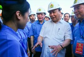 Thủ tướng: Phải ưu tiên cho công nhân bức xúc về chỗ ở được mua nhà