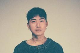 Ca sĩ Hàn Quốc quay lén phụ nữ trong phòng tắm