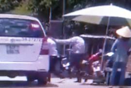 """""""Luật gia"""" đánh nhau với tài xế taxi: """"Số điện thoại bí thư tỉnh tui còn có…!"""""""