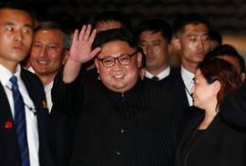 Ông Kim Jong-un dạo phố đêm Singapore