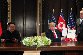 Thượng đỉnh Mỹ - Triều: Ông Trump nhượng bộ quá nhiều?