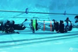 """Tỉ phú Musk cùng tàu ngầm """"thiếu nhi"""" sẵn sàng sát hang Tham Luang"""