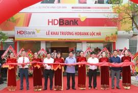 Mở rộng mạng lưới, HDBank khai trương 2 phòng giao dịch